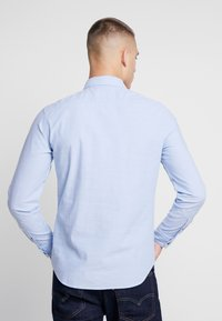 Levi's® - BATTERY SHIRT SLIM - Skjorte - allure - 2