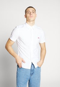 Levi's® - BATTERY SLIM - Koszula - white - 0