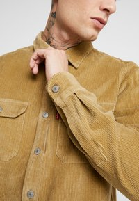 Levi's® - JACKSON WORKER - Shirt - harvest gold - 5