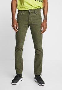 Levi's® - 511™ SLIM FIT - Kalhoty - olive night - 0
