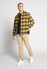 Levi's® - XX CHINO SLIM II - Chino kalhoty - true chino shady - 1