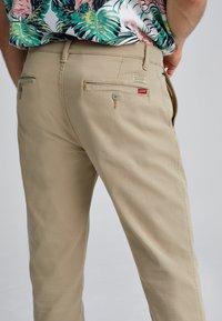 Levi's® - XX CHINO SLIM II - Pantalones chinos - true chino shady - 4