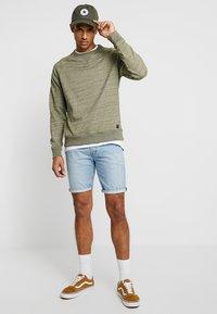 Levi's® - 501® HEMMED SHORT - Jeans Short / cowboy shorts - blue - 1