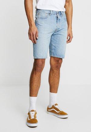 501® HEMMED SHORT - Denim shorts - blue