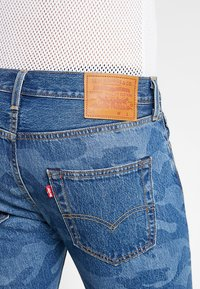 Levi's® - 501® ORIG CUTOFF SHORT - Denim shorts - blue denim - 5
