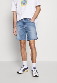 Levi's® - 501® '93 SHORTS - Szorty jeansowe -  blue denim - 0