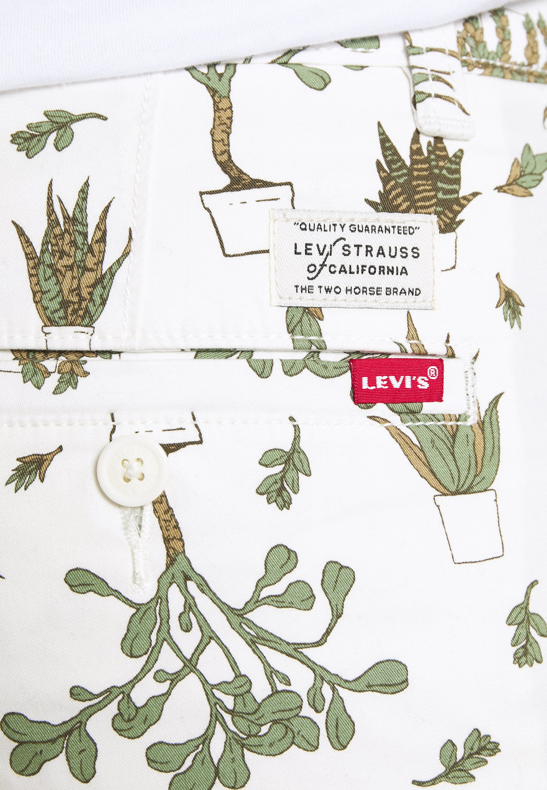 Levi's® Shorts - Nephrite Olive Night