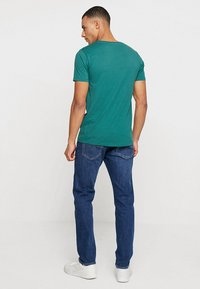 Levi's® - 502™ REGULAR TAPER - Džíny Straight Fit - crocodile adapt