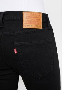 Levi's® - 501® SLIM TAPER - Jeans slim fit - black - 5