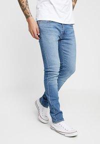 Levi's® - 519™ SUPER  - Jeans slim fit - cedar light mid overt - 0