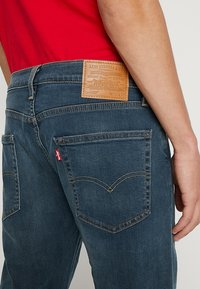 Levi's® - 502™ REGULAR TAPER - Jeansy Straight Leg - creeping thyme - 5