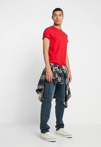 Levi's® - 502™ REGULAR TAPER - Jeansy Straight Leg - creeping thyme - 1