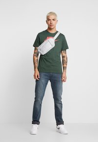 Levi's® - 512™ SLIM TAPER FIT - Jeans slim fit - creeping thyme - 1
