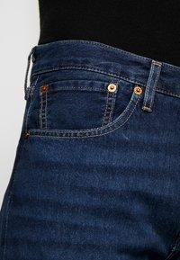 Levi's® - 501 SLIM TAPER - Zúžené džíny - med indigo - 3