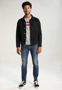 Levi's® - GRAPHIC SET-IN NECK - Printtipaita - midtone grey - 1