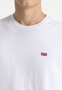 Levi's® - 501 ORIGINAL TEE - T-shirt basic - white - 4