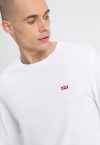 Levi's® - ORIGINAL TEE - Bluzka z długim rękawem - white - 4
