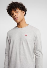 Levi's® - ORIGINAL TEE - T-shirt à manches longues - grey heather - 4