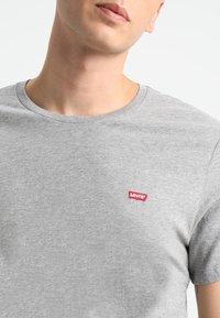 Levi's® - CREWNECK TEE 2 PACK - T-shirt - bas - mottled grey - 4
