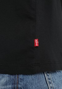 Levi's® - GRAPHIC SET IN NECK - T-Shirt print - mineral black - 5