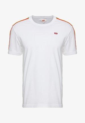 PRIDE RINGER - T-shirts med print -  white/rainbow
