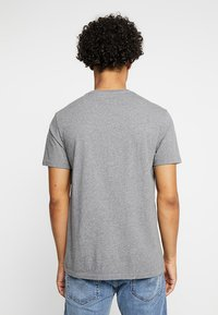Levi's® - ORIGINAL TEE - Jednoduché triko - charcoal heather - 2