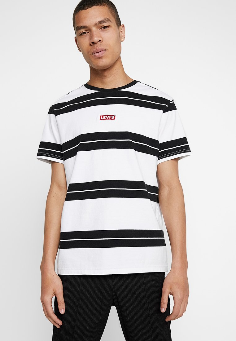 Levi's® - OVERSIZED BABY TAB - T-shirt basic - white/black