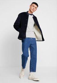 Levi's® - SLIM CREWNECK 2 PACK - Topper langermet - dress blues/ med grey heather - 1