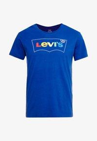 Levi's® - HOUSEMARK GRAPHIC TEE - Triko spotiskem - blue - 3