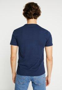 Levi's® - CREWNECK 2 PACK - T-Shirt print - blues/white - 3