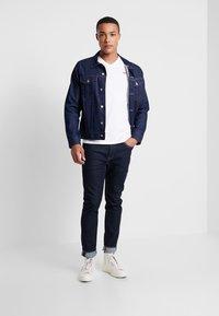 Levi's® - ORIGINAL V-NECK - T-shirt basique - white - 1