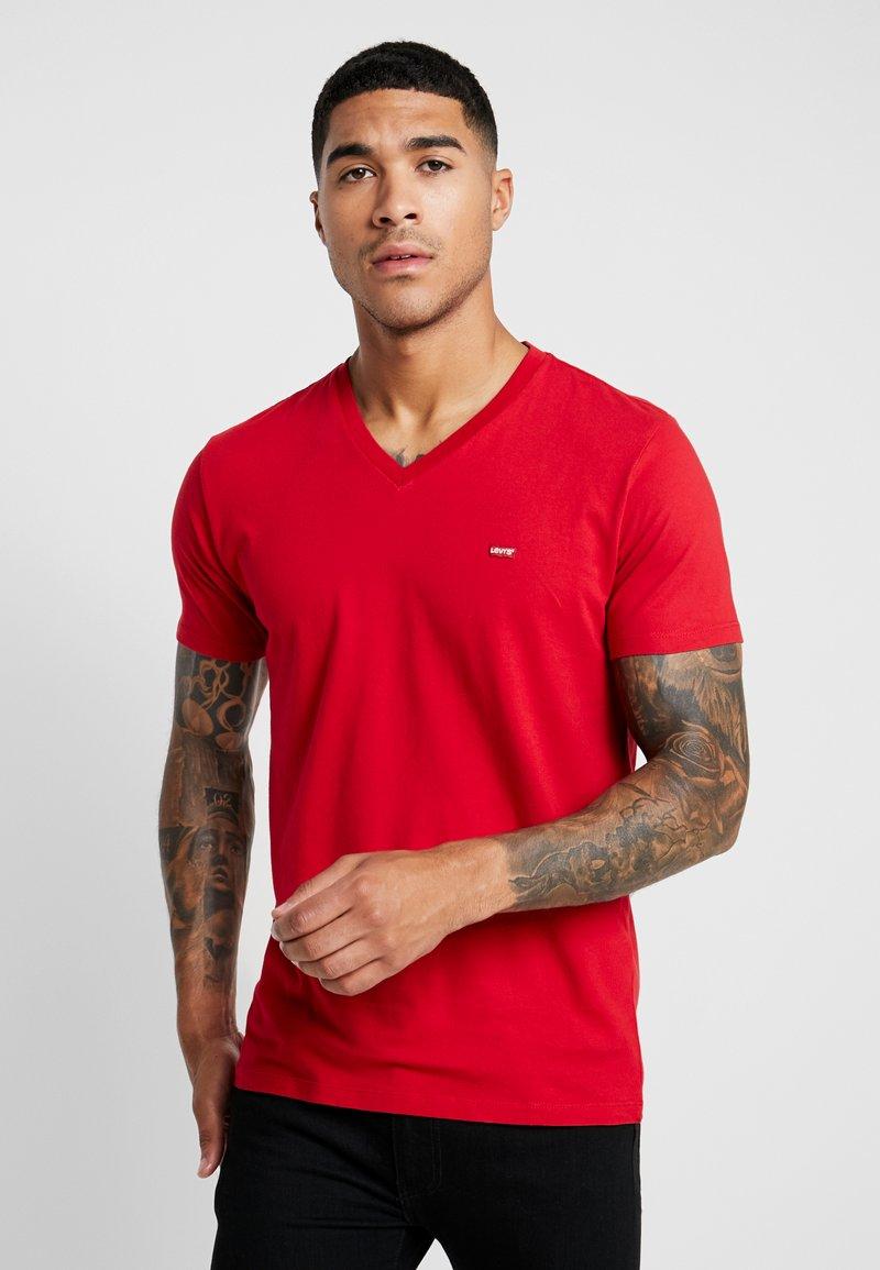 Levi's® - ORIGINAL V-NECK - Basic T-shirt - crimson