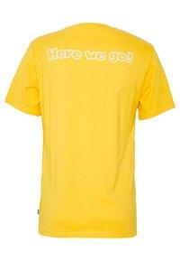 Levi's® - LEVI'S® SUPER MARIO GRAPHIC - T-Shirt print - yellow - 1