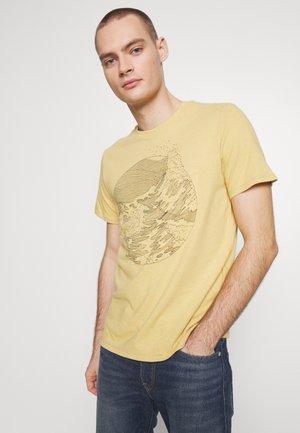 WELLTHREAD POCKET TEE - T-shirt con stampa - riptide hemp