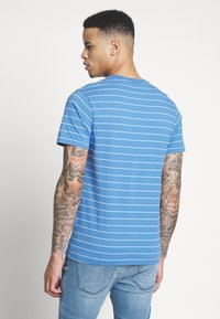 Levi's® - THE ORIGINAL TEE - T-shirt print - white - 2