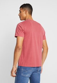 Levi's® - THE ORIGINAL TEE - T-Shirt print - earth red - 2