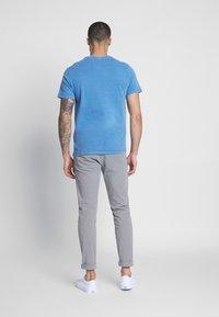 Levi's® - THE ORIGINAL TEE - T-Shirt print - patch tee riverside - 2