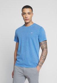 Levi's® - THE ORIGINAL TEE - T-Shirt print - patch tee riverside - 0