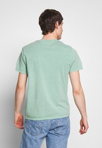 Levi's® - THE ORIGINAL TEE - Camiseta estampada - creme de menthe - 2