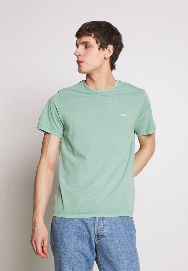 Levi's® - THE ORIGINAL TEE - Camiseta estampada - creme de menthe