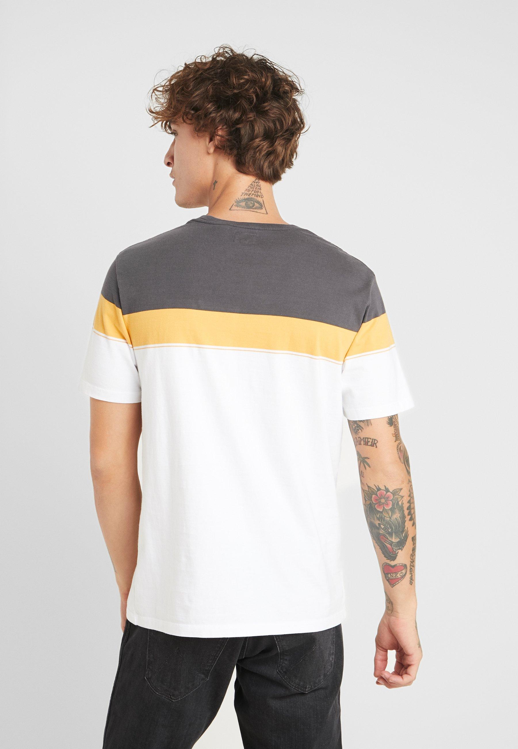 Levi's® THE ORIGINAL TEE - T-shirt z nadrukiem - golden plover forged iron/golden apricot/white