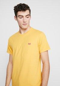 Levi's® - THE ORIGINAL TEE - T-Shirt print - golden apricot - 4
