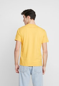 Levi's® - THE ORIGINAL TEE - T-Shirt print - golden apricot - 2