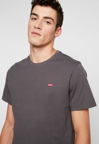 Levi's® - THE ORIGINAL TEE - T-Shirt print - forged iron - 4