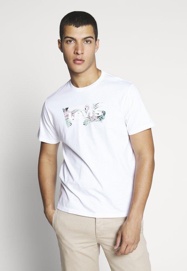 HOUSEMARK GRAPHIC TEE - Camiseta estampada - white