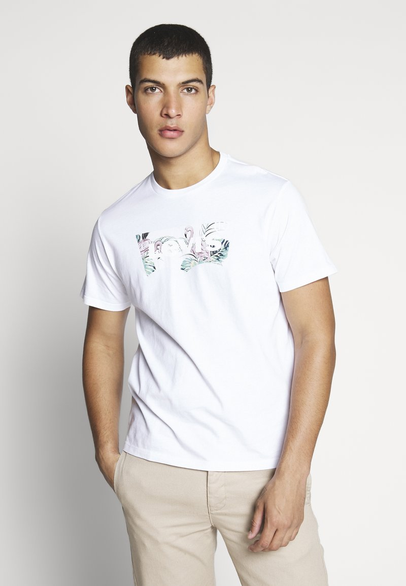 Levi's® - HOUSEMARK GRAPHIC TEE - T-shirt con stampa - white