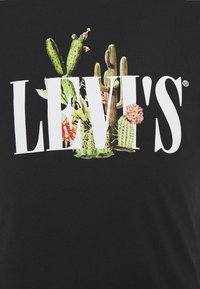 Levi's® - GRAPHIC CREWNECK TEE - T-shirts med print - black - 2