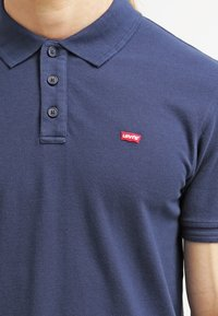 Levi's® - HOUSEMARK - Pikeepaita - dress blue - 4