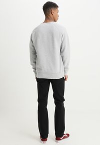 Levi's® - ORIGINAL ICON CREW - Mikina - medium grey heather - 2