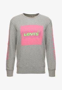 Levi's® - GRAPHIC CREW - Sweatshirt - midtone heather grey - 5